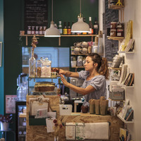 Petit B. café librairie